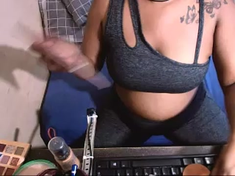 sexyindianchic live cam on StripChat.com