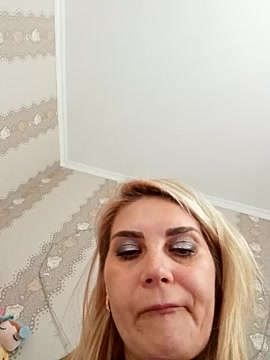 Free video chat with JennyOMay